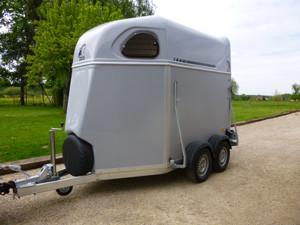 location van et camion chevaux rh ne alpes bt diffusion. Black Bedroom Furniture Sets. Home Design Ideas